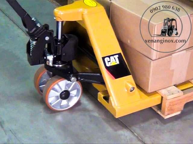 Xe nâng tay CAT CBF30S
